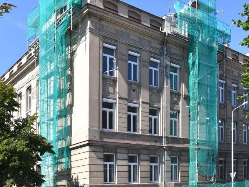 Úprava arkád na budově ZŠ Zd. Petříka