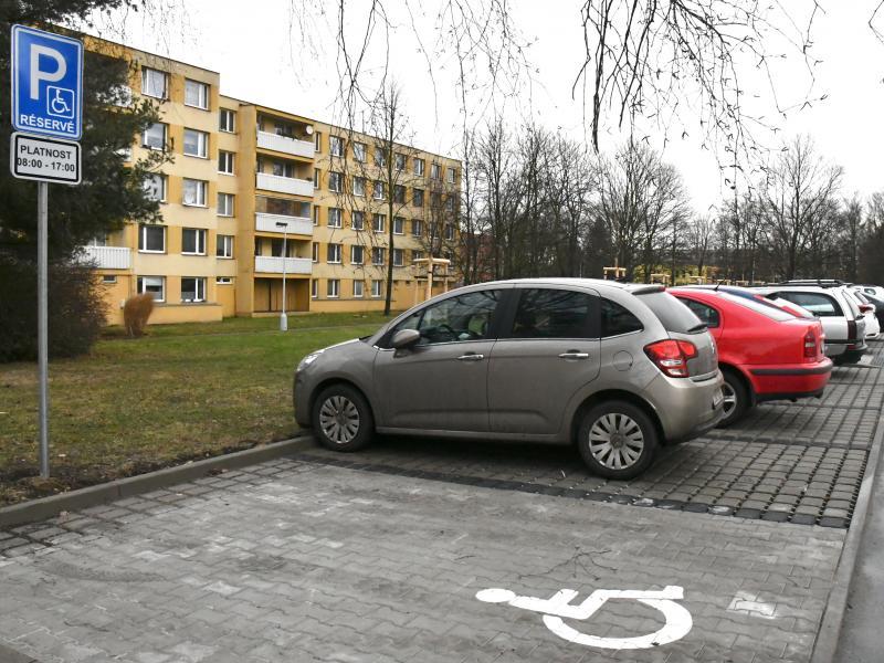 Nové parkoviště u Průmstavu