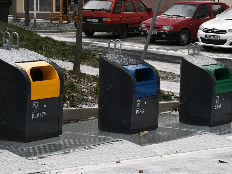 Podzemní kontejnery v Rabasově ulici