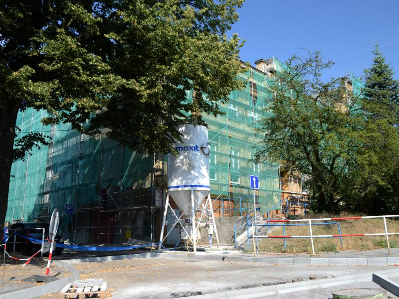 Rekonstrukce fasády ZŠ Doberská