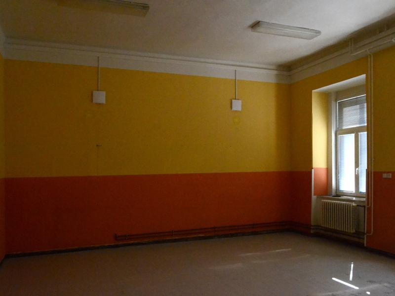 Sanace zdí a podlahy učebny - ZŠ Vašatova