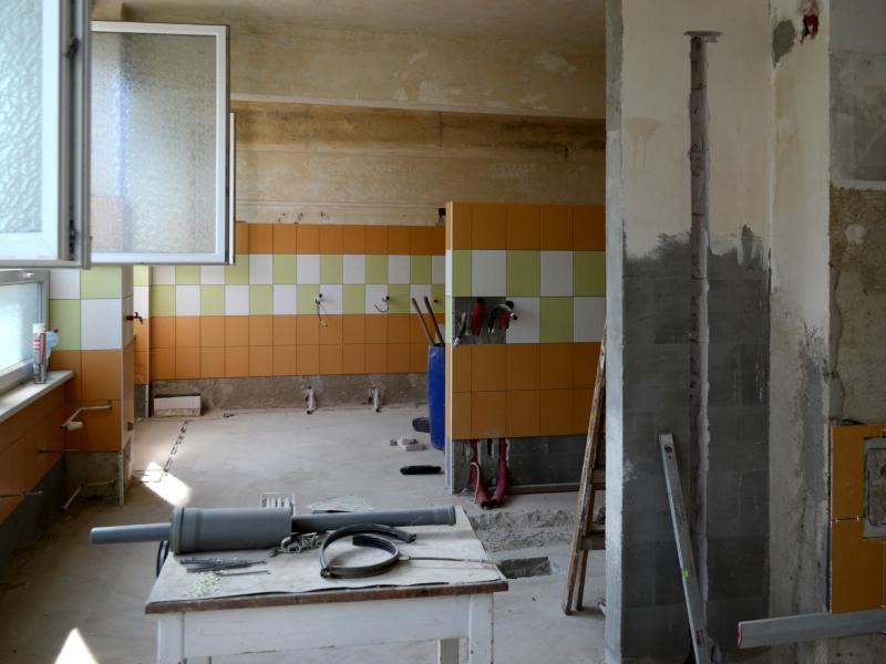 Rekonstrukce třídy a kuchyně v ulici Vodárenská 2115